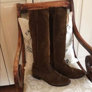 Pre-owned Frye boots in AMAZING Shape!